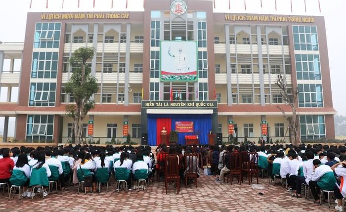 Hiệu trưởng trường Phan Huy Chú liên tiếp mắc sai phạm chỉ sau 2 năm bổ nhiệm