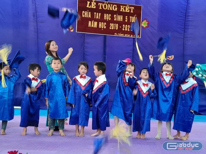 Mùa xuân thứ 15 của cô giáo Thảo trên cổng trời Tà Tổng