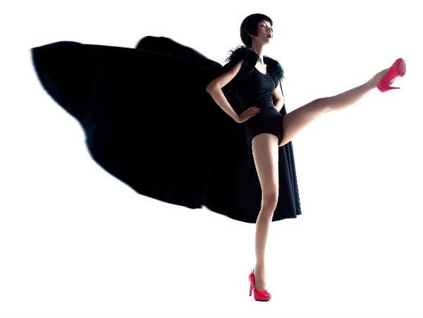 Sau nhiều năm, Xuân Lan vẫn duy trì được hình ảnh siêu mẫu với phong cách và bản lĩnh mạnh mẽ, cá tính. Ảnh: Phạm Hoài Nam.