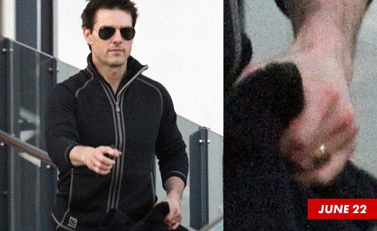 Tom Cruise vẫn đeo nhẫn cưới trong bức ảnh chụp ngày 22/6.