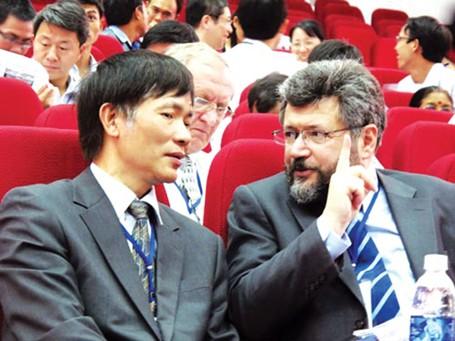 GS Lê Tuấn Hoa (