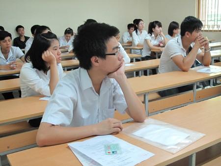 Nhiều trường ĐH, CĐ ngoài công lập lo lắng năm nay không tuyển đủ chỉ tiêu.