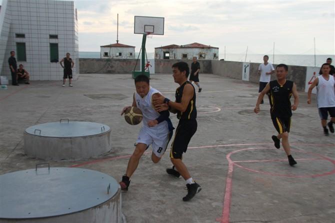 Hoạt động trái phép của Trung Quốc trên Đá Vành Khăn, Trường Sa