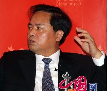 Tư lệnh Hải giám Trung Quốc lại dọa Philippines