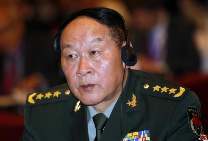 """Bộ QP Trung Quốc: Tàu Nhật Bản """"tự chạy vào tầm ngắm của tên lửa TQ"""""""