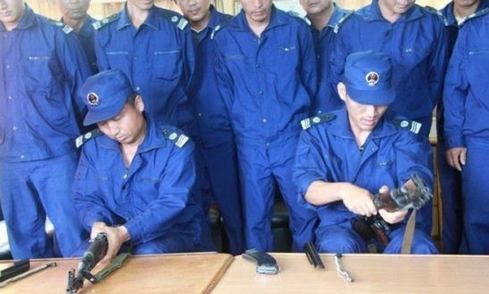 Lính Trung Quốc hiện nguyên hình ngoài Đá Vành Khăn, Trường Sa