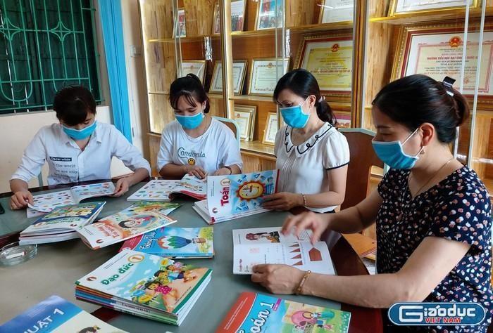 Bộ cần làm rõ có hay không khuất tất đấu thầu giấy in sách giáo khoa tại NXBGDVN