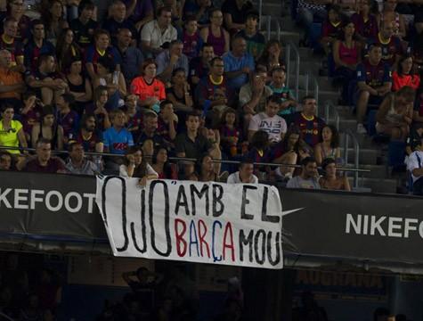 """""""Hãy coi chừng Barca, Mou"""""""