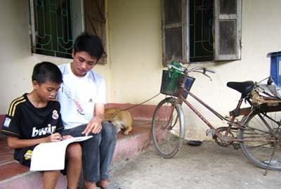 Cậu học trò nghèo đỗ thủ khoa ĐH Kinh tế Quốc dân