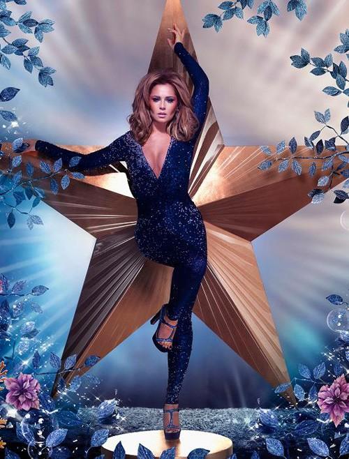 Cheryl vừa cho ra mắt thị trường series giày thời trang do cô tự thiết kế.