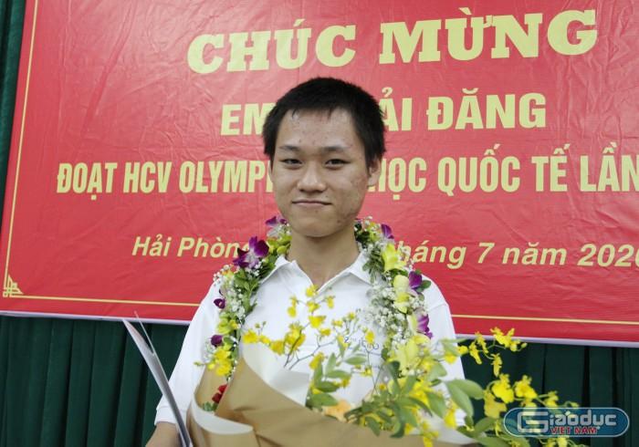 Gặp gỡ nam sinh Hải Phòng đoạt huy chương Vàng Olympic Hoá học quốc tế