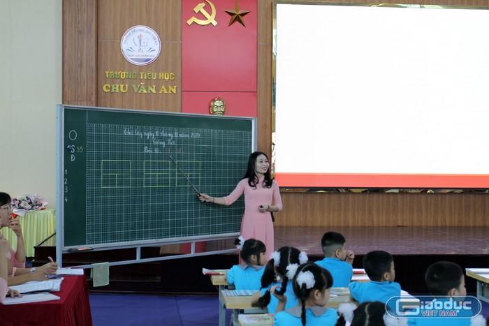 Hệ số lương, yêu cầu chứng chỉ giáo viên tiểu học hạng IV cũ sang hạng III mới