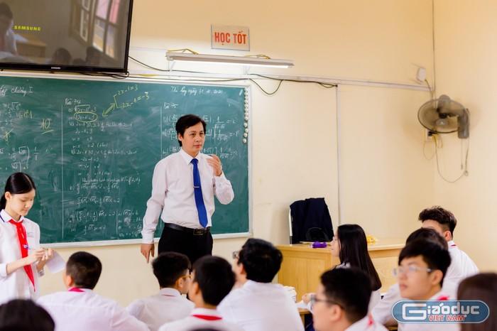 Thầy giáo trẻ Vũ Công Minh có duyên với những tấm huy chương