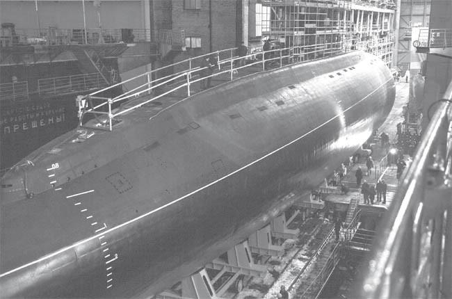 """Thử nghiệm tàu ngầm kilo 636 """"Hà Nội"""" gặp khó vì... quá hiện đại"""