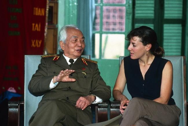 Võ Nguyên Giáp và Catherine Karnow: cuộc gặp không thể quên
