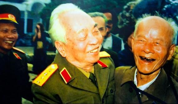 Bài thơ đầy xúc động tiễn biệt Đại tướng Võ Nguyên Giáp