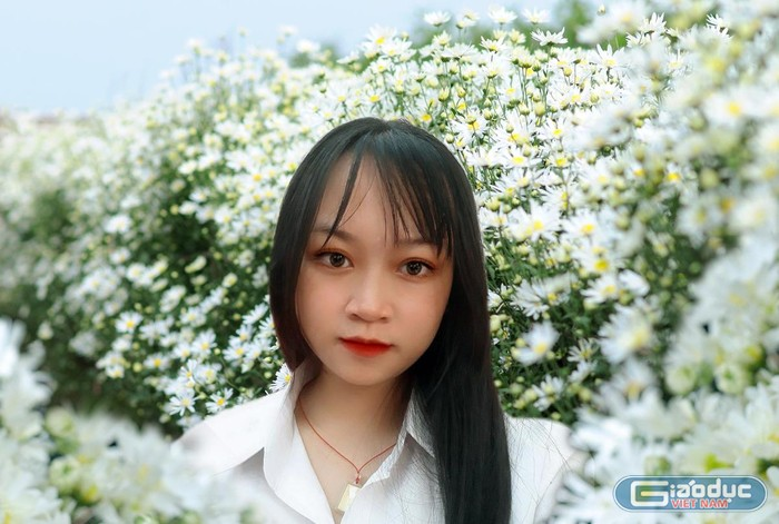 Nữ sinh xuất sắc với nghiên cứu tinh chất của cây Hoàng tinh hoa trắng