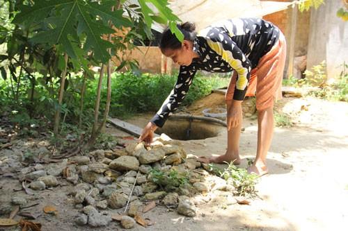 Đống đá được lấy lên trong quá trình đào giếng