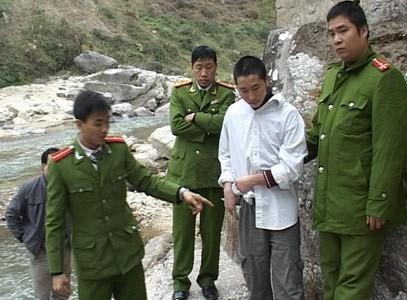 Đưa Cao đi thực nghiệm điều tra.
