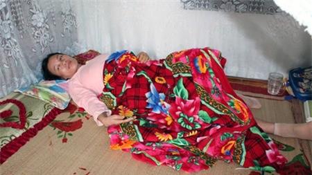 Sản phụ Lê Thi Mai đau đớn sau cái chết oan uổng của đứa con mà chị mang nặng trông ngóng đợi chờ