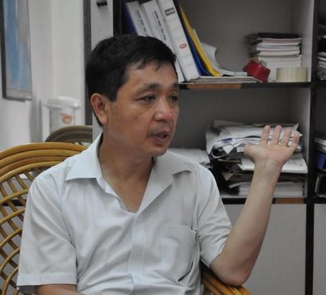 """TS Lê Đông Phương: Xã hội như vậy, giáo dục không thể """"trắng bong"""""""