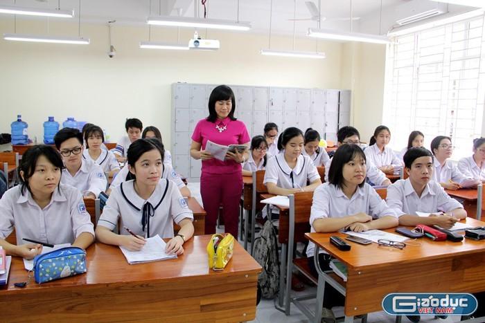 Giữ hạng, thăng hạng giáo viên gian nan và tốn kém, lương chưa chắc tăng ngay