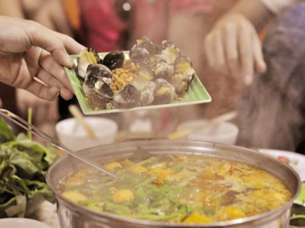 7 quán ăn vặt cực ngon, khó tìm nhưng đông nghịt khách ở Hà Nội