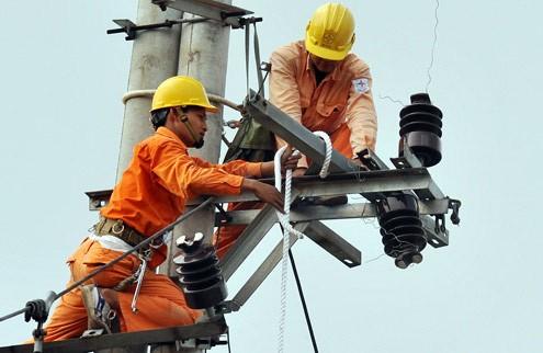 Ngành điện lỗ, EVN đưa 400 GĐ, PGĐ đi nước ngoài 'học hỏi'?