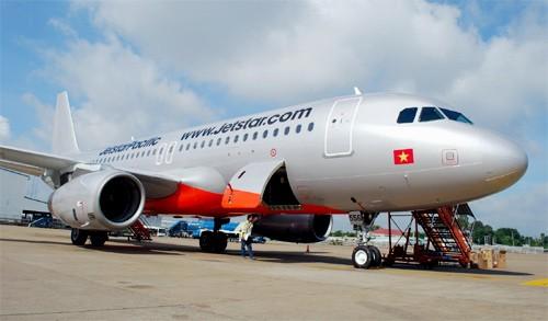 Vé máy bay Tết: Khách hàng đắn đo vì giá đắt