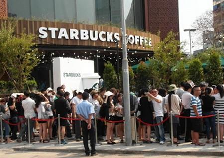 Chuyện quán Starbucks và cái ngã tư đường