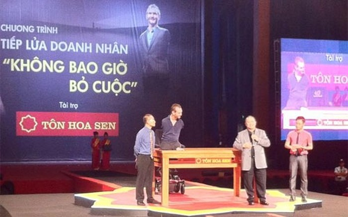 Nick Vujicic đến VN, tài sản CEO Tôn Hoa Sen tăng 170 tỷ đồng
