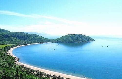 Có rừng vàng biển bạc, sao Việt Nam không giàu?