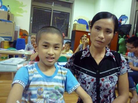 Ước mơ giản dị của cậu học sinh nghèo bị ung thư máu