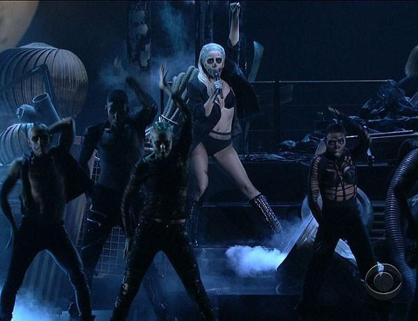 Ngoài Lady Gaga, ban tổ chức cũng công bố những đề cử cho giải Grammy lần thứ 54 sẽ diễn ra vào ngày 12/2 tới.