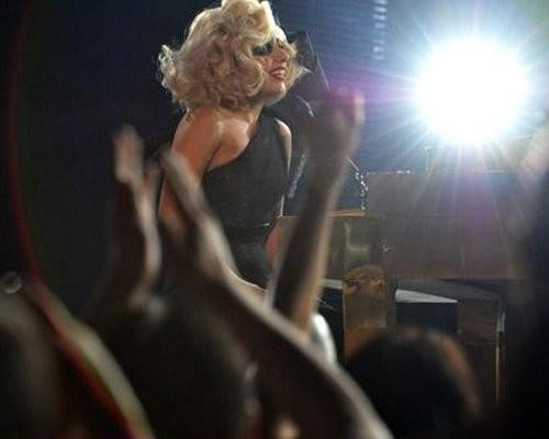 Ngoài đề cử Album của năm, Lady Gaga còn nhận được đề cử cho Màn trình diễn nhạc pop xuất sắc.