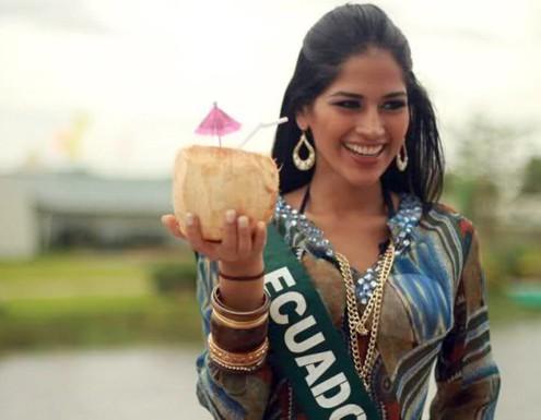Những hình ảnh đẹp của Olga Alava tại Miss Earth 2011.