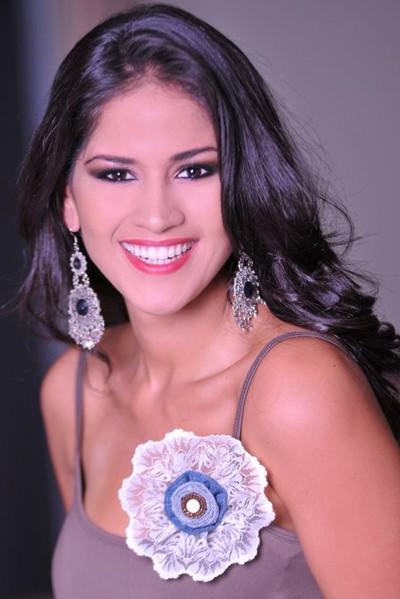 Cô là người đẹp Ecuador thứ hai đăng quang một cuộc thi lớn trong năm nay.