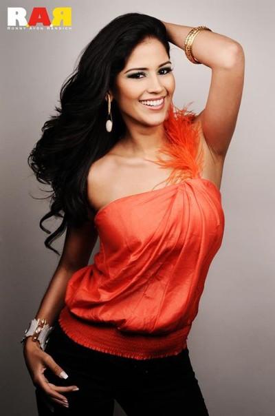 Cô từng xuất hiện trong nhiều bộ ảnh thời trang tại Ecuador.