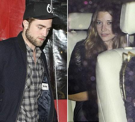 Robert Pattinson lên chiếc xe có Sarah Roemer đang đợi sẵn. Ảnh: Splash.
