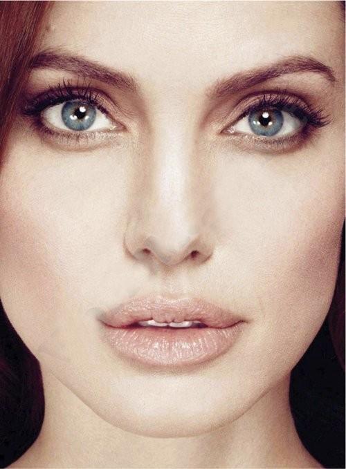 Angelina Jolie cũng khẳng định, thời điểm này cô chưa biết chính xác liệu gia đình cô có thêm thành viên mới nữa hay không.