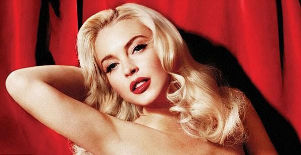 Trong khi đó, bộ ảnh nude chụp cho Playboy bị rò rỉ lên mạng cho thấy vẻ đẹp không chút tì vết của cô nàng tóc vàng.