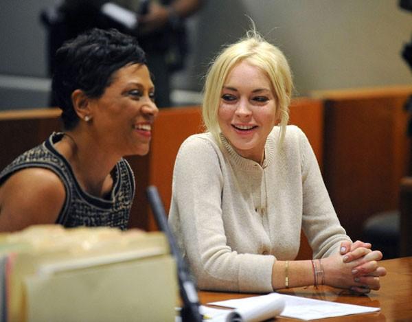 Tại phiên tòa, Lindsay Lohan được thẩm phán khen ngợi vì đã thực hiện trọn vẹn thời gian lao động công ích trước thời điểm quy định.